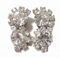 195141  Elongated Sparkling Clear Rhinestone Ear Clips - Product Image