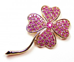 195003  Magenta Four Leaf Clover Brooch - Product Image