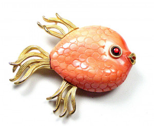 195065  MV Embossed Coral Colored Fish w/Glass Eye - Product Image