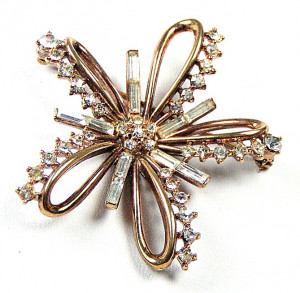 195093  Crown Trifari Star - Product Image