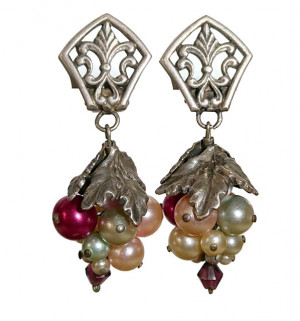 195115  Multi-Colored Pearl Grape Cluster Ear Clips - Product Image