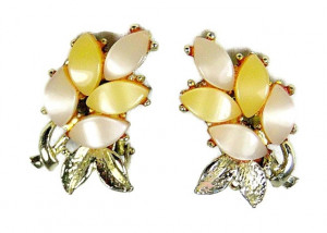 195124   Shade of Yellow Moonglow Ear Clips - Product Image