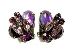 195125  Marvella Shades of Purple Prong Set Ear Clips - Product Image