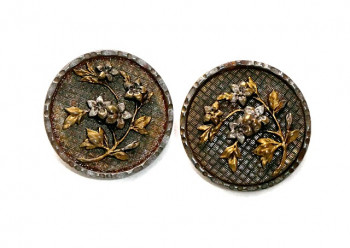 195136  Detailed 2-Toned Florals in Metal  - Product Image