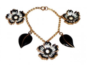 195167  Enamelled Flower Bracelet - Product Image