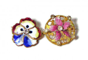1951694  Pair of Enamel Floral Pins - Product Image