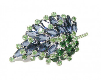 196029  Oversized & Dimensional Rhinestone Leaf Brooch - Product Image