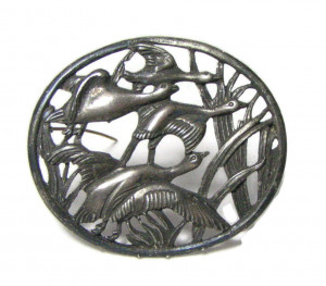 196031  Oversized Flying Geese Brooch - Product Image