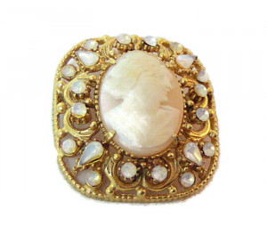 196041  Florenza Cameo Brooch - Product Image