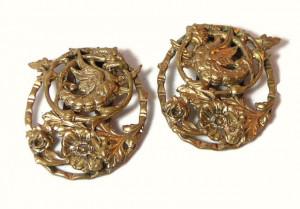 196079  Floral Brass Repousse Fur Clips