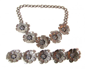 196081  Taylord Sterling Floral Necklace & Bracelet - Product Image