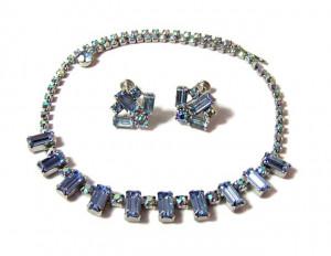 196100  Weiss Rhinestone Necklace & Earrings