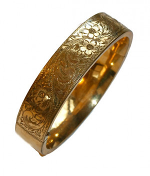 196208  Hinged Etched Gold Filled Bangle