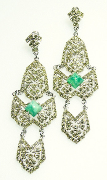2040036  Castlecliff Rhinestone Duster Ear Clips - Product Image