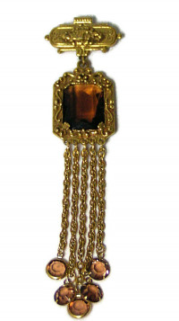 195204  Goldette Tassel Brooch