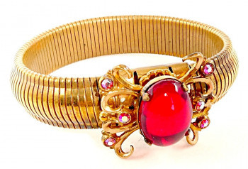 216103  Ruby Red Cabochon Bracelet - Product Image