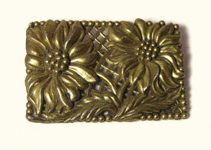 196102  LN Pot Metal Floral Brooch - Product Image