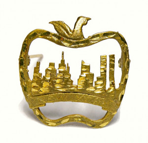 196214  NYC Big Apple Pin with Twin Towers - Product Image