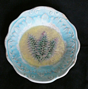 910300302  Antique Majolica Fern Plate - Product Image