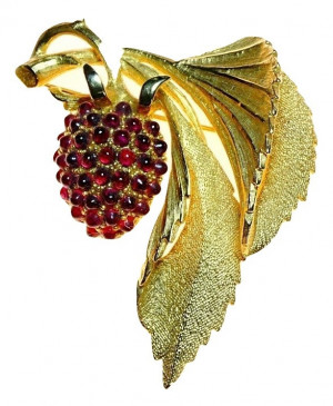 20300110  Caviness Dimensional Berry Brooch - Product Image
