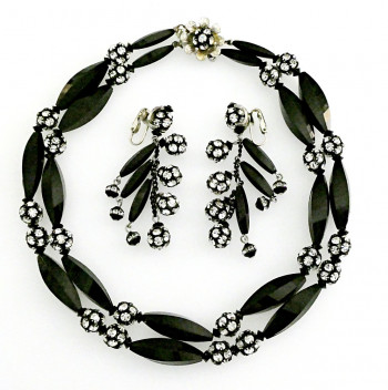 2040033  Caviness Black & White Necklace & Earring Set - Product Image