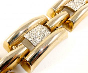 216126  Oversized Rhinestone Pave Link Bracelet - Product Image